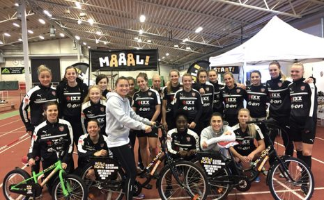 Integrationsprojektet Kul på hjul är det senaste projektet i FC Rosengård. Hela A-lagstruppen är involverad och ska finnas med som stöd.