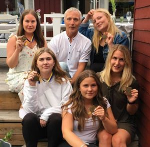 5 daughters, 5 vätterns