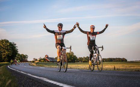Online Dating för cyklister när dating en Stenbocken man