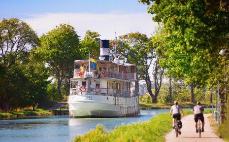 Fin upplevelse att cykla längs Göta kanal.