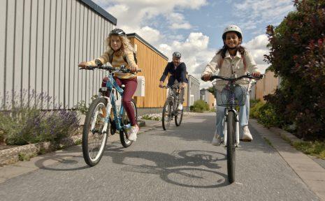 Organisationen Svenska Cykelstäders kampanj Låt barnen styra ska få fler elever att cykla till skolan.