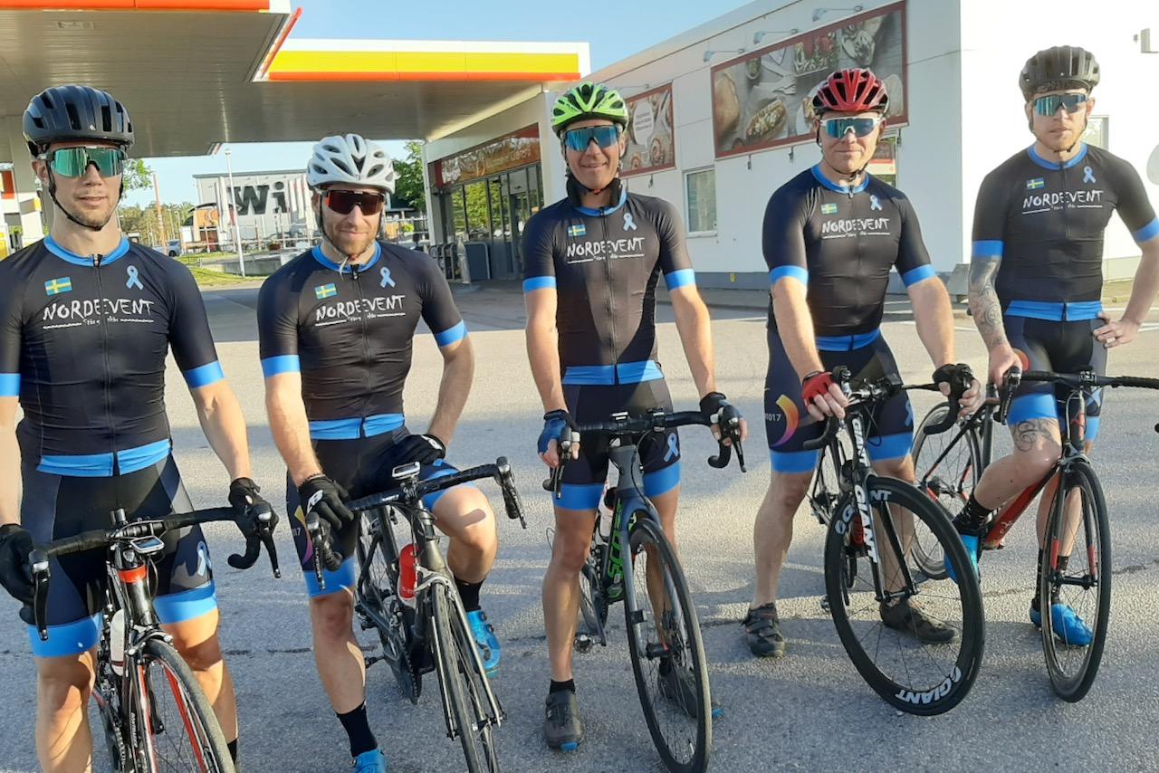 Uppställd bild på fem av Prostataklubbens medlemmar.