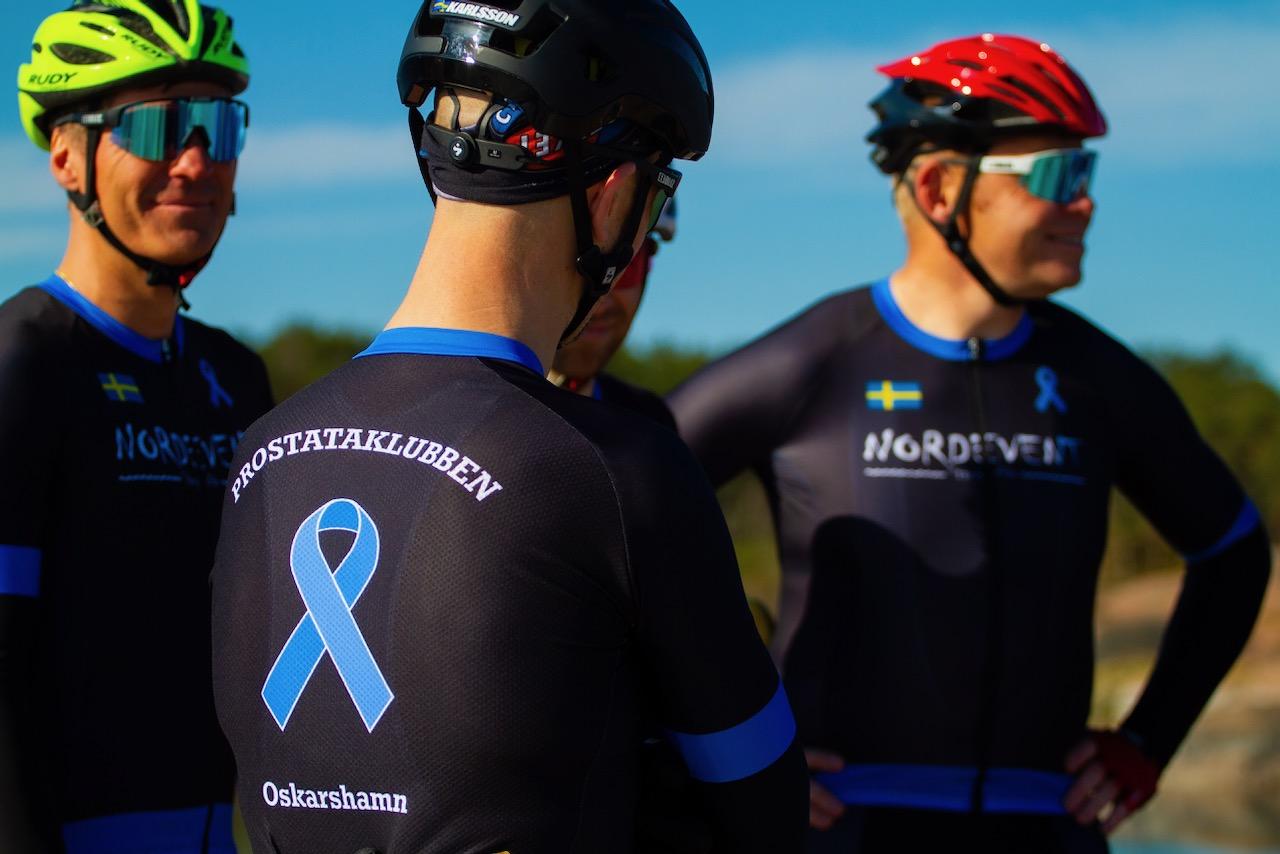 Ryggtavlan på Prostataklubbens cykeldräkt