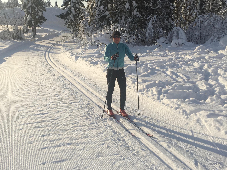 Anna Öhrström skidar ihop mil till ICA-Klassikern.