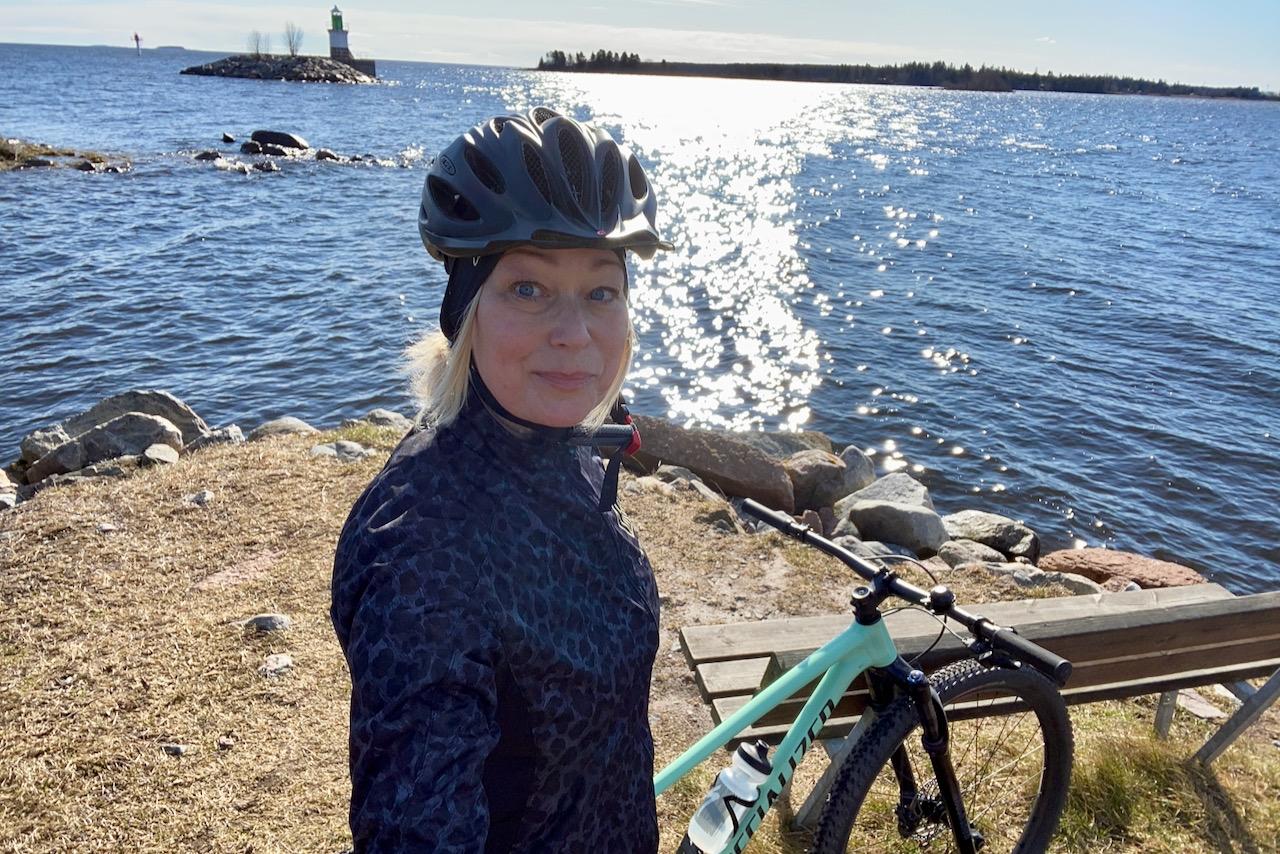 Camilla Kjellin har fastnat för cyklingen. I år satsar hon på att ladda upp inför säsongens lopp med Minutjakten.