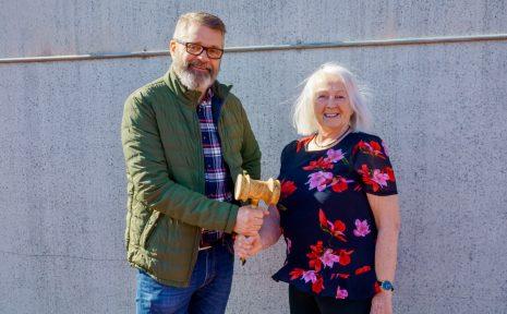 Jan Hedenros tog över som ordförande i Veteranklubben efter Britt Thorén, som då hade haft ordförandeklubban i två år.