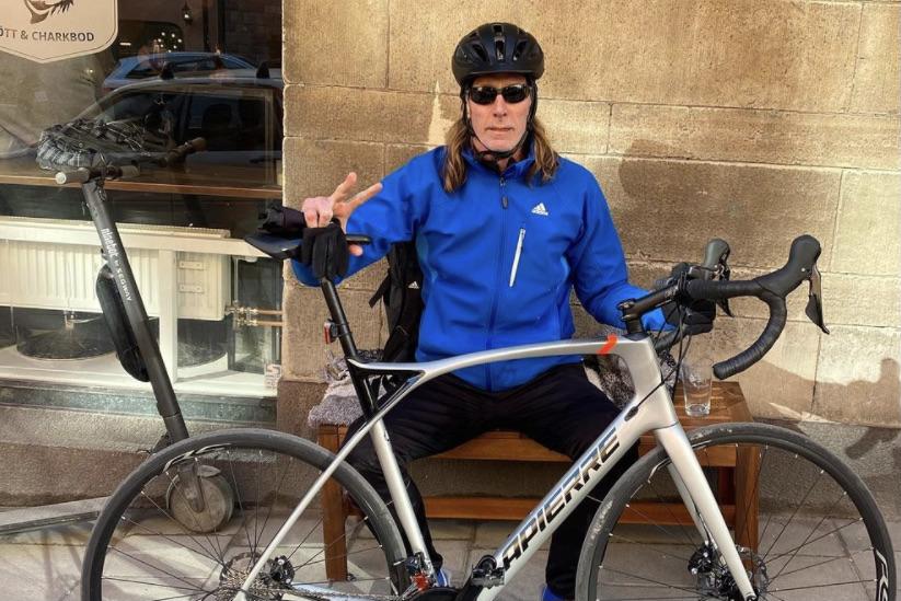 Handbollslegendaren Staffan Olsson är ny på det här med cykling, men har börjat uppskatta motionsformen.
