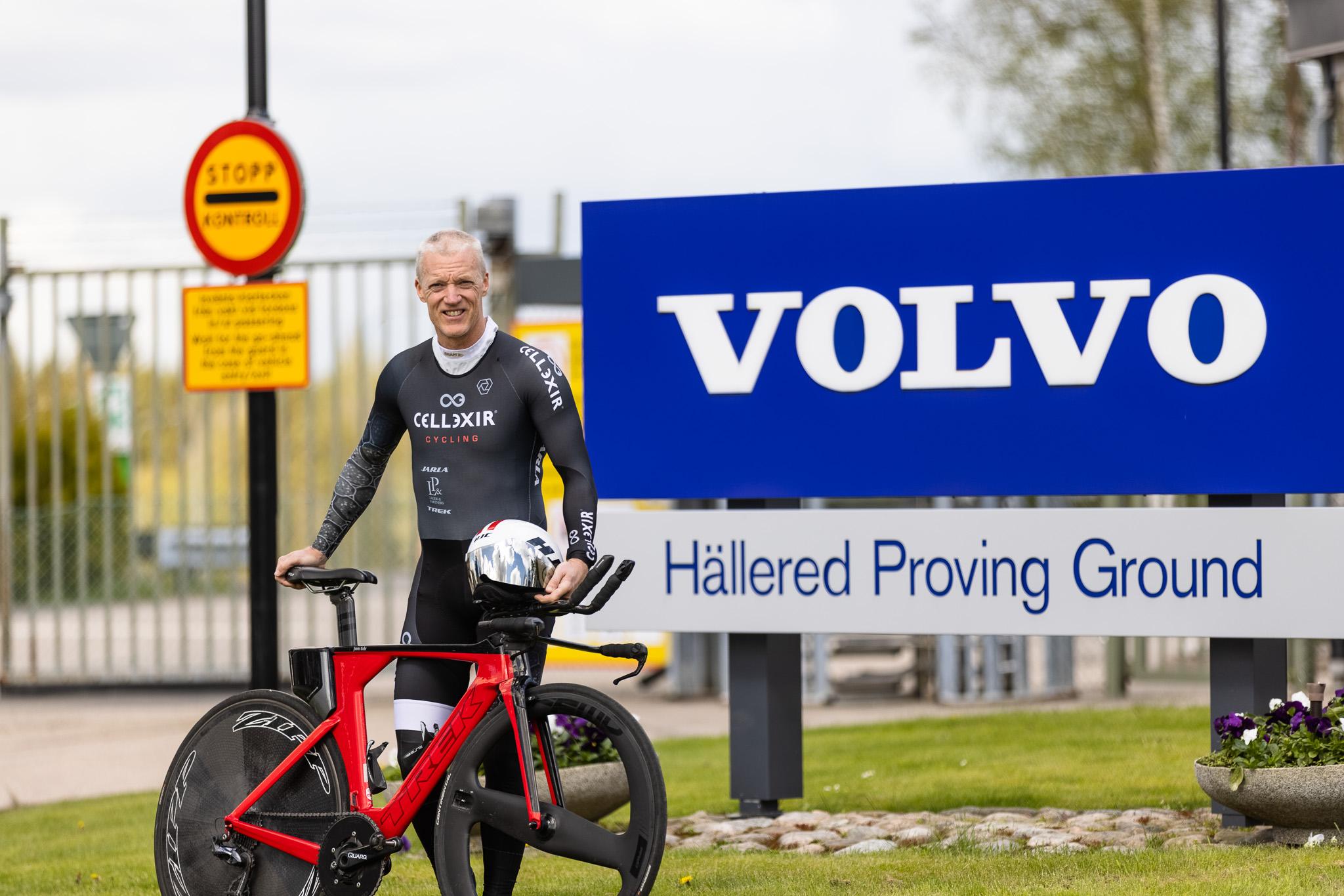 Jonas Bohr ska cykla för ett världsrekord.