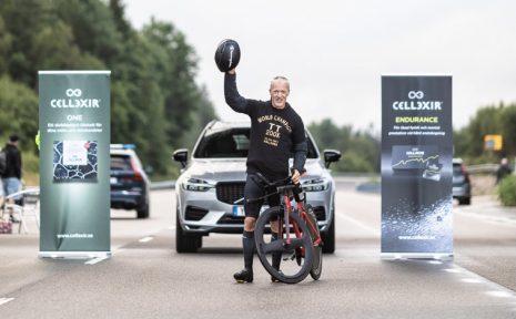 Under lördagen satte Jonas Bohr nytt världsrekord i solokörning över 200 kilometer.