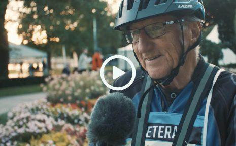 """""""Det är en stor högtid att få stå här igen"""". Det säger 82-årige Gösta Andersson om Vätternrundan, efter det att han höll på att dö av corona i fjol."""